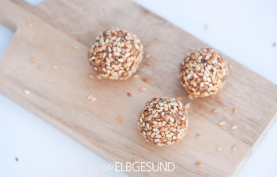 Pflaumen energyballs Snack Gesund