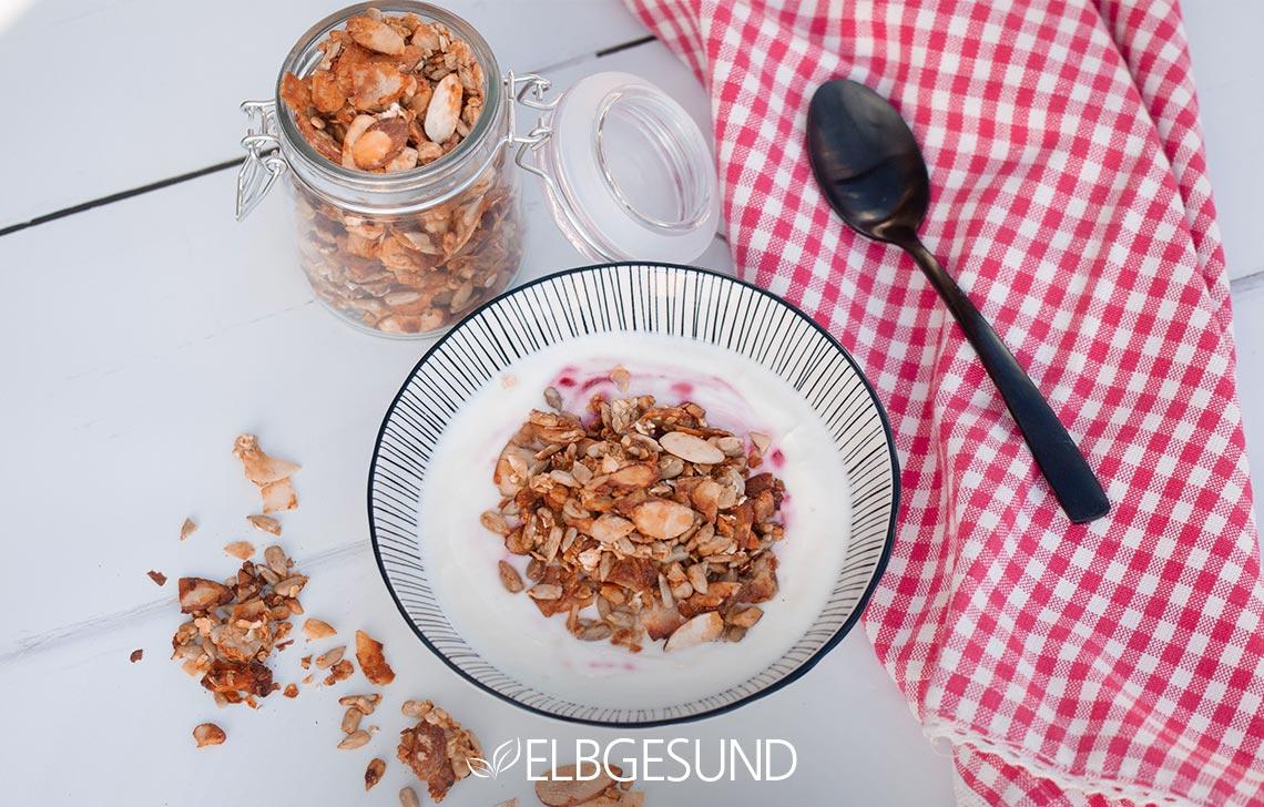 Granola Banane Joghurt Schale Frühstück