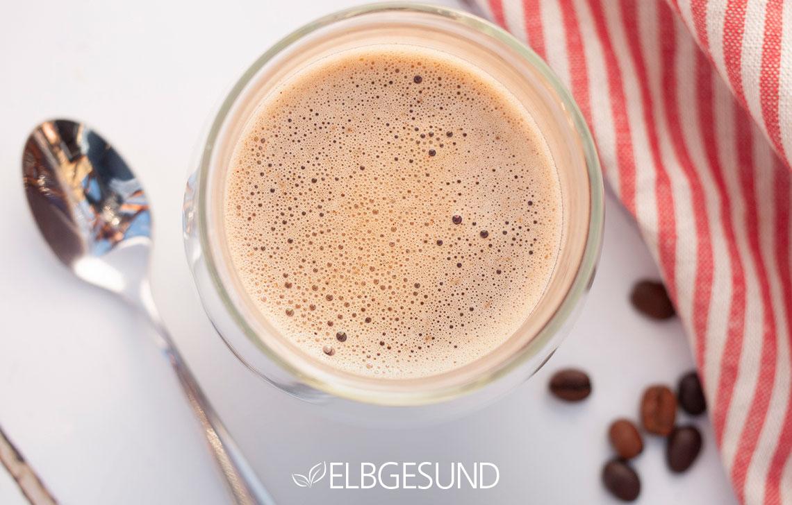 Kaffee bulletproof-coffe oben Schaum